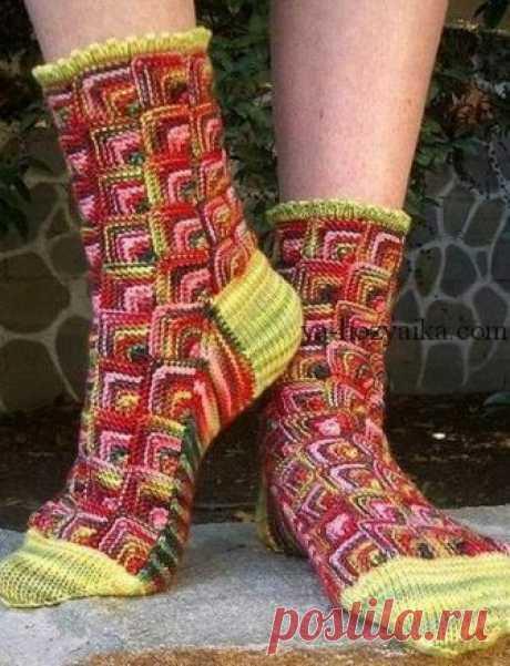 Вязаные носки в стиле пэчворк. Как связать носки в стиле пэчворк Вяжем спицами крависые носочки в стиле пэчворк. Пошаговое описание вязания носков