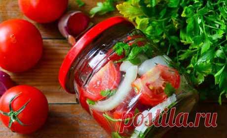 Помидоры с луком и маслом на зиму - 7 рецептов дольками и половинками