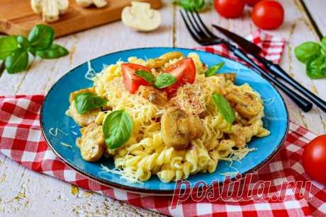Макароны с грибами и курицей в сливочном соусе рецепт с фото пошагово - 1000.menu