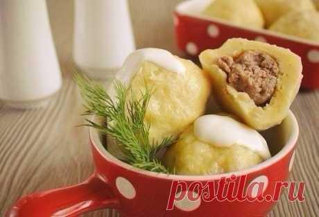 Картофельные клёцки с мясом.