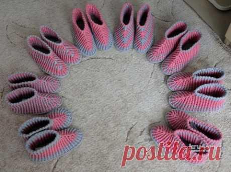 Вязанные крючком носки — тапочки. Работы Светланы