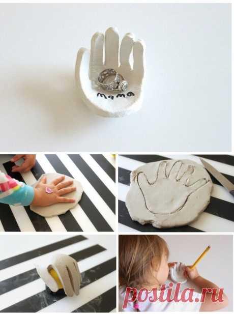 Блюдце доя украшений руками ребёнка
