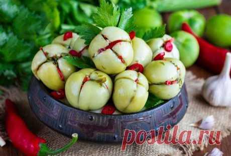 Зеленые помидоры по-грузински на зиму – самые вкусные рецепты Как вкусно приготовить зеленые помидоры по-грузински на зиму — самые вкусные рецепты зеленых помидор фаршированных чесноком с зеленью.