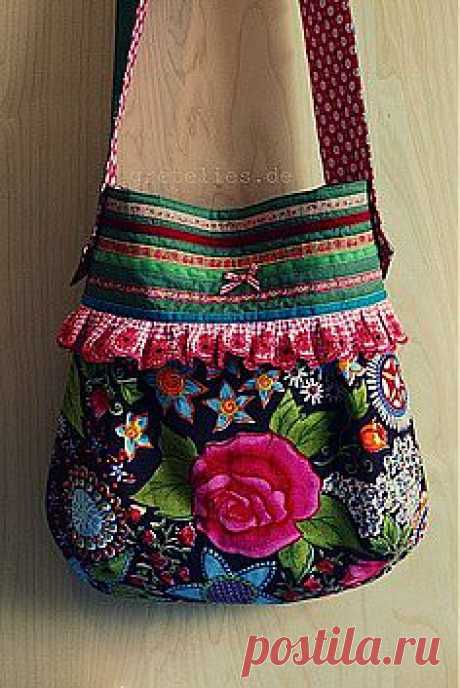 Kitty and Me Designs приколол(а) это к доске Beautiful Purses and Han…