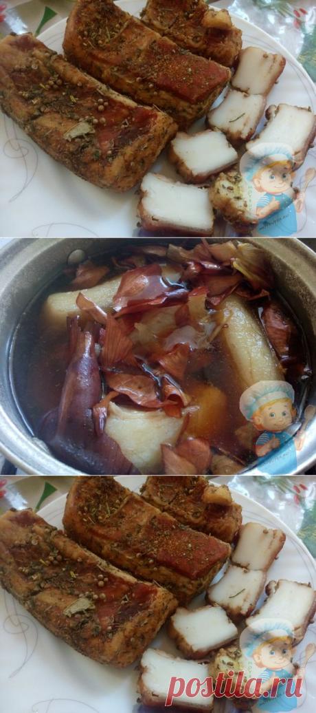 Вареное сало в луковой шелухе — очень вкусная закуска к любому столу