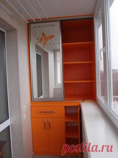 Мебель для балкона Современную мебель при необходимости можно встроить в небольшие по площади балконы или лоджии, которые имеются в домах типовой застройки. Мебель для балкона/лоджии может ничем особо не отличаться от м...