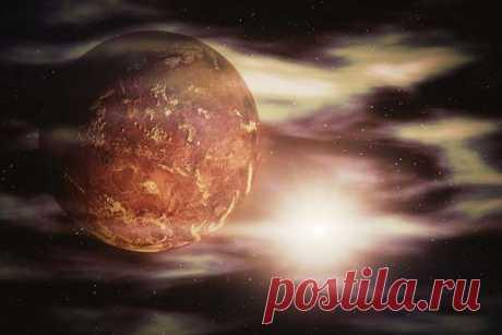 Когда-то атмосфера Земли была похожа на ту, которая существует на Венере Ученые из Швейцарии провели исследование, в результате которого выяснилось нечто интересное. А именно, то, что когда-то нашу Землю покрывал слой магмы и вполне вероятно, что те газы, которые из нее выделялись, создавали вокруг планеты атмосферу, схожую с той, которая существует сейчас на...