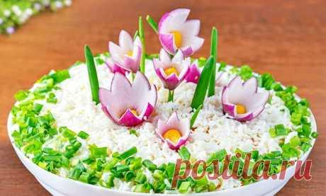 "Нежный слоеный салат "" Цветы на снегу"" | ВКУСНЯХА | Яндекс Дзен"