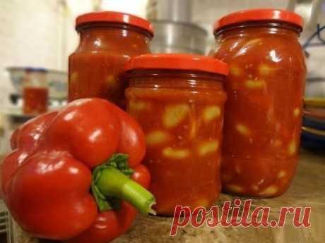 """Приправа """"Привет от бабы Аллы"""" 2,5 кг болгарского перца, 3 кг помидоров, 1 головка чеснока, 8 ст.л. сахара, 1,5 ст.л. соли, 150 г растительного масла, 2 ч.л. 70%-ой уксусной эссенции. Поверьте: это просто вкуснотища и лучше любого лечо!"""