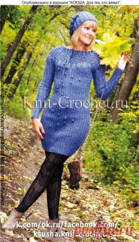 Платье с круговой кокеткой и шапочка спицами.