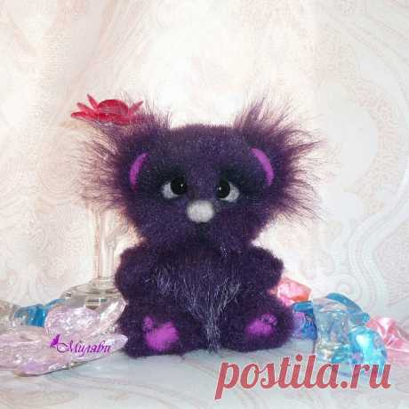АВТОРСКИЕ КУКЛЫ И ТЕДДИ 👸🐘 в Instagram: «Дом нашел. Мишутка, мое фиолетовое тискальное чудо, 11 см счастья. Набит опилками и минеральным гранулятом. Сам стоит и сидит. Головка на…»