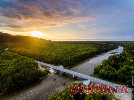 Закат на Байкале. Автор фото — Greenjew: nat-geo.ru/photo/user/18950/