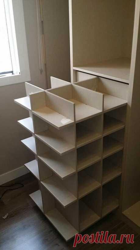 #МебельДляДачи    Оригинальное решение для хранения обуви в гардеробной #ПоделкиДляДачи #СделайСам #СвоимиРуками #Строительство
