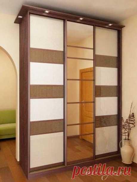 Шкаф купе фасад полосками из стекла или зеркала на заказ: фото, дизайн, пример.