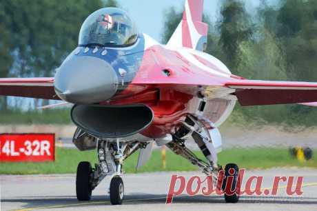 Фото Lockheed F-16 Fighting (E191) - FlightAware