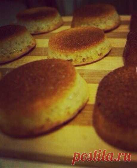 Рецепт потрясающих и действительно вкусных булочек от LaPerla. Отличная замена хлеба на диете Дюкана. Причем без дополнительных продуктов, что позволяет их есть даже на атаке и в чисто-белковые четверги на консолидации.