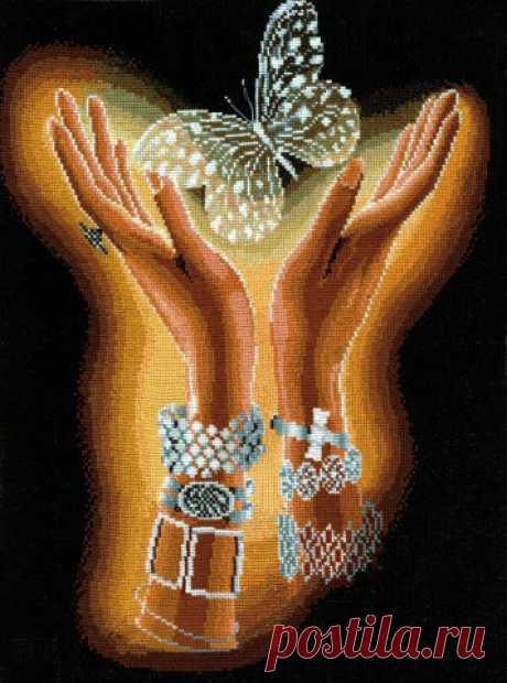 Вышивка крестом - руки с бабочкой