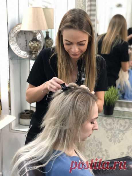 Стоит ли наращивать волосы и как понять, что они вам подходят? С уверенностью можем сказать, что наращивание волос подходит большинству девушек. Для чего наращивают волосы? Если вы проснулись с мыслью о том, что вы хотите новую прическу - наша студия придет вам на помощь. Наши волосяные феи превращают тонкие волосы в густую прическу из рекламы шампуня, а кардинальное каре - в роскошные локоны. Читай, подходит ли тебе наращивание, на нашем сайте!