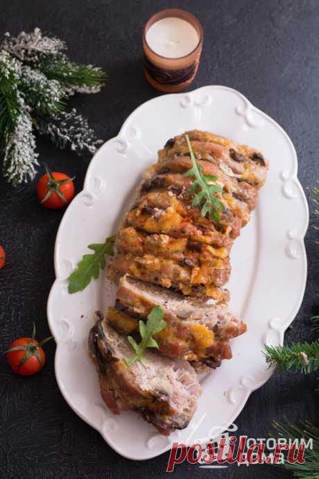 """Мясная """"Книжка"""" с грибами и сыром в духовке Это блюдо займет достойное место на праздничном столе! Готовится мясная """"Книжка"""" или """"Гармошка"""" довольно быстро и просто, а мясо получается невероятно вкусным! Главное, что от хозяйки, такая свинина с грибами и сыром, потребует минимальных хлопот..."""