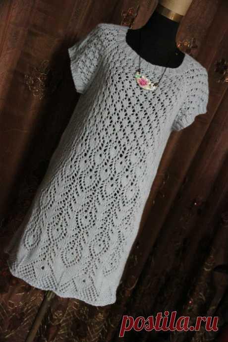 Платье с ажурным узором спицами. The dress with openwork pattern spokes |