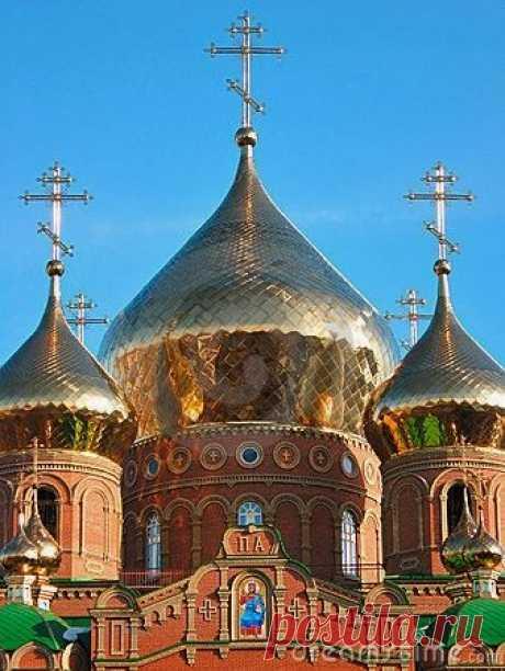 Saint Vladimir, Luhansk, Ukraine - Explore the World with Travel Nerd Nici, one Country at a Time. TravelNerdNici.com  |  Pinterest • Всемирный каталог идей
