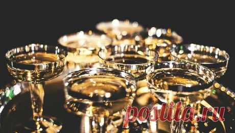 """Забудьте про """"Советское"""": названо лучшее отечественное шампанское"""