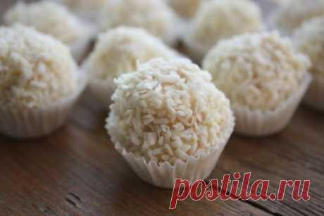 Вафельные конфеты в белом шоколаде... / Еда и напитки / Рецепты / Pinme.ru