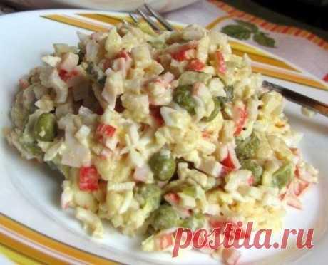 Салат «Лаура»  Очередной вкусный крабовый салатик.  Ингредиенты: Показать полностью...