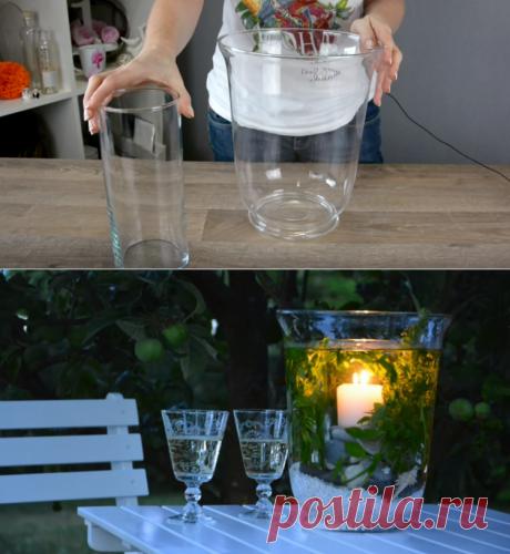 Женщина кладет свечу в большую вазу и наливает воду. Получилась удивительная красота