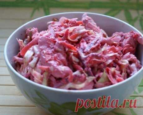 """Салат """"Козел"""" из свежей свеклы и капусты, рецепт дала подруга из Алматы, популярный в 90е года Предлагаю вам попробовать очень вкусный и полезный салат из свежих овощей. Готовится он очень просто и быстро. Этим рецептом поделилась подруга, в 90е года не было такого разнообразия салатов и часто на праздничный стол готовили вот этот салат. Вкус салат получается очень насыщенным и аппетитным,"""