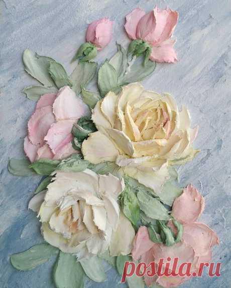 Ура!! Ура!!! Многие ждали этого!! Сегодня появился видео курс по «Скульптурной живописи»  Курс состоит из двух частей: первая часть обучающая, создание розы в разных ракурсах вторая часть курса , создание картины с розами в цвете, закрепление полученных знаний!!! Цена видео курса 4000руб. Продолжительность МК 1час 40минут. За подробностями пишите в директ P.S. Завтра могу не ответить, утром отправление в Ростов!!!! До встречи!!!!