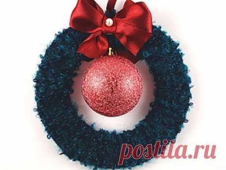 Создание рождественского венка из пряжи