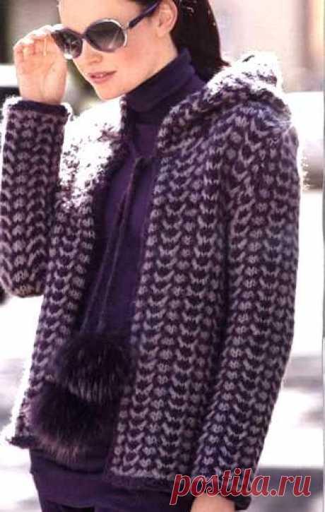 Жакет с капюшоном спицами