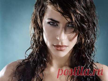 Укладка на мокрые волосы (39 фото): длинные, средние, короткие, видео-инструкция как сделать эффект влажных локонов своими руками, фото и цена