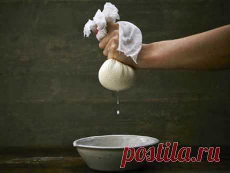 Панир рецепт и блюда с паниром   Панир рецепт простой и быстрый, несколько ингредиентов - и у вас готов свежий сыр. С которым можно приготовить много блюд!  Читайте и смотрите, как сделать и использовать панир.