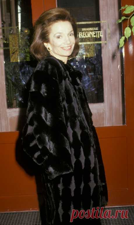 lee-radziwell-sighted-on-october-29-1987-at-regines-in-new-news-photo-135279058-1547245415.jpg (768×1283)