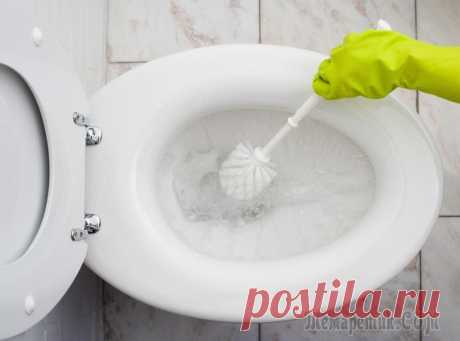 Available means for cleaning of a toilet bowl of an uric stone