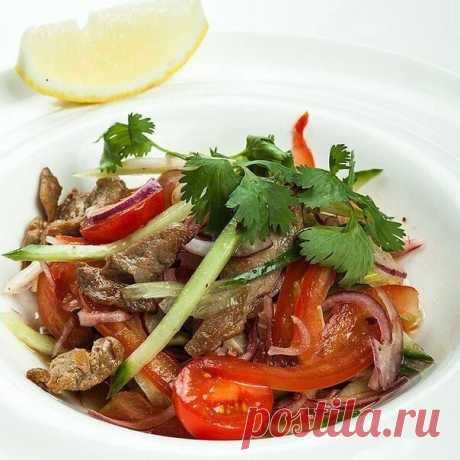 Beef and tomatoes salad