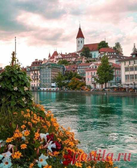 Тун, Швейцария