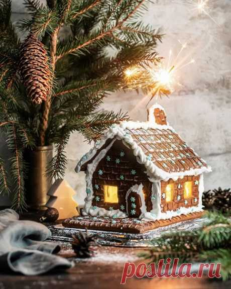 Какое у вас новогоднее меню? Что вы обычно готовите на новый год?Какие ваши любимые новогодние и рождественские блюда,закуски и напитки?Сервируете ли вы красиво стол,если не ждёте гостей?ответ в комментарии 😊😊