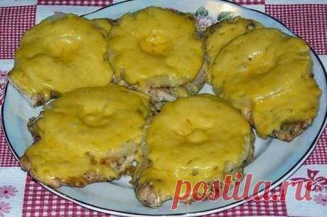 Кулинарные Рецепты: Куриные отбивные с ананасом и сыром