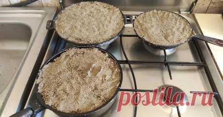 Как очистить сковороду от нагара с помощью простого песка, совет дня!