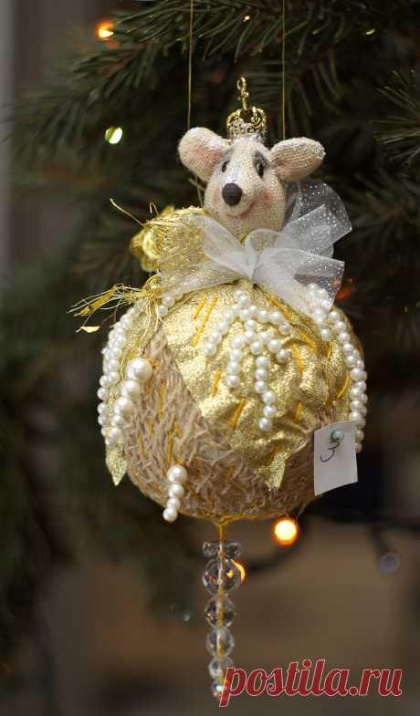 Елочные игрушки: Новогодний шар мышка символ года – заказать на Ярмарке Мастеров – JOMBORU | Елочные игрушки, Москва