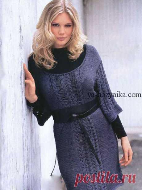 Платье с укороченными рукавами спицами. Лучший сайт по вязанию Платье с укороченными рукавами спицами. Платье спицами с эффектными дорожками из кос