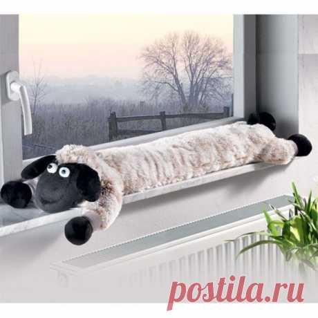 Забавные подушки под дверь и на окно от сквозняков | Рукоделие