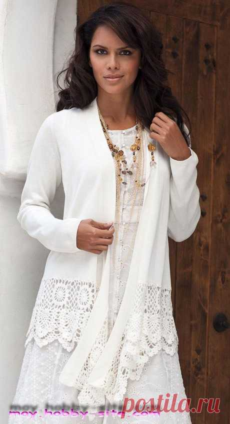 Combination of fabric and knitted lace.
