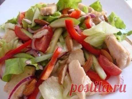 La ensalada fácil con la gallina