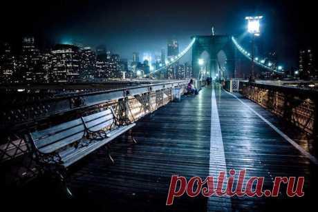 «Бруклинский мост ночью, Нью-Йорк» — карточка пользователя Илья Кольчевский в Яндекс.Коллекциях