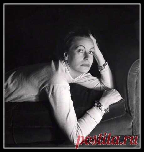 Greta Garbo by Cecil Beaton 1946