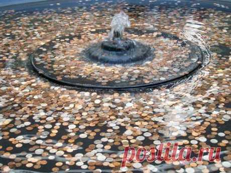 Приметы про монеты С давних времен люди придавали особое значение монетам.Такое внимание они заслужили благодаря не только своей ценности, но и энергетическому значению.Монета — символ достатка и прибыли. Если ее прав...
